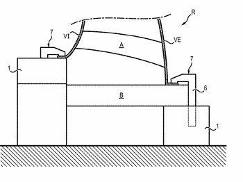 System for clamping a part and method for sealing the inner casing of a low ...