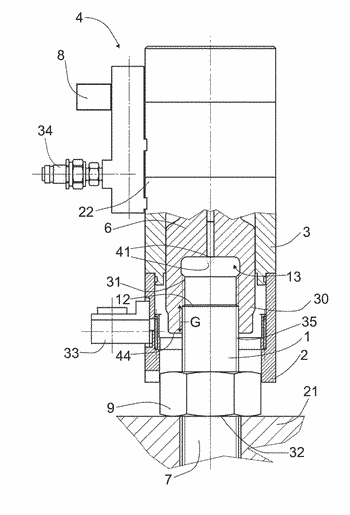 Clamping device for stretching a threaded bolt